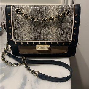 Snake crossbody/shoulder purse!!